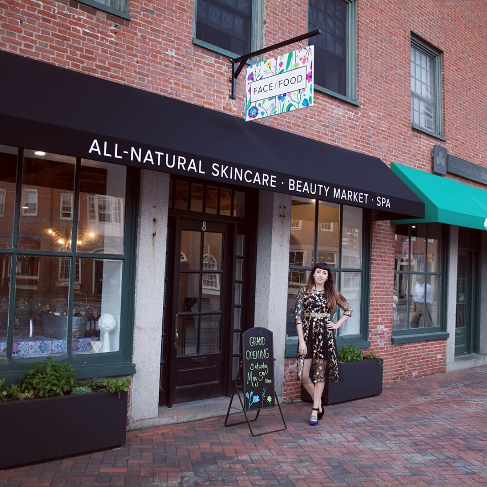 Khaki Paquette of Face/Food Natural Skincare just opened her first store in Newburyport, MA on May 5. Congrats, lady!