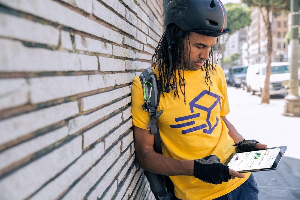 FY15_BikeDelivery_ServiceMarketplace_DeliveryMan_Messenger_Shot_04b_050715_NEW.jpg