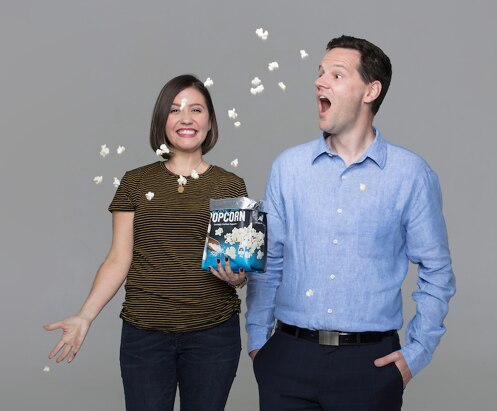 image-en-au-excited-couple-with-popcorn